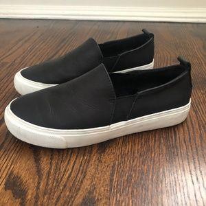Black Gap Slip Ons
